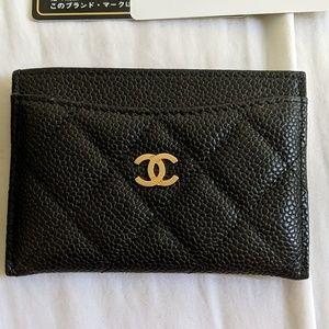 Black gold HW classic caviar Chanel cardholder